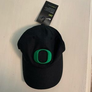 OREGON DUCKS NIKE DRI-FIT LOGO HAT - BLACK
